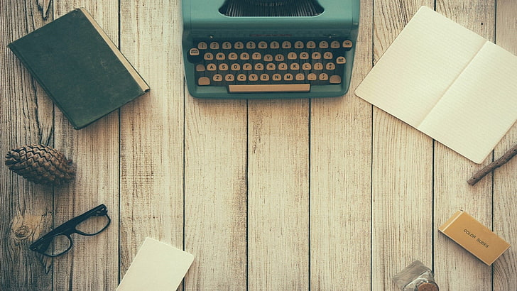 typewriters-vintage-retro-style-wood-wallpaper-preview